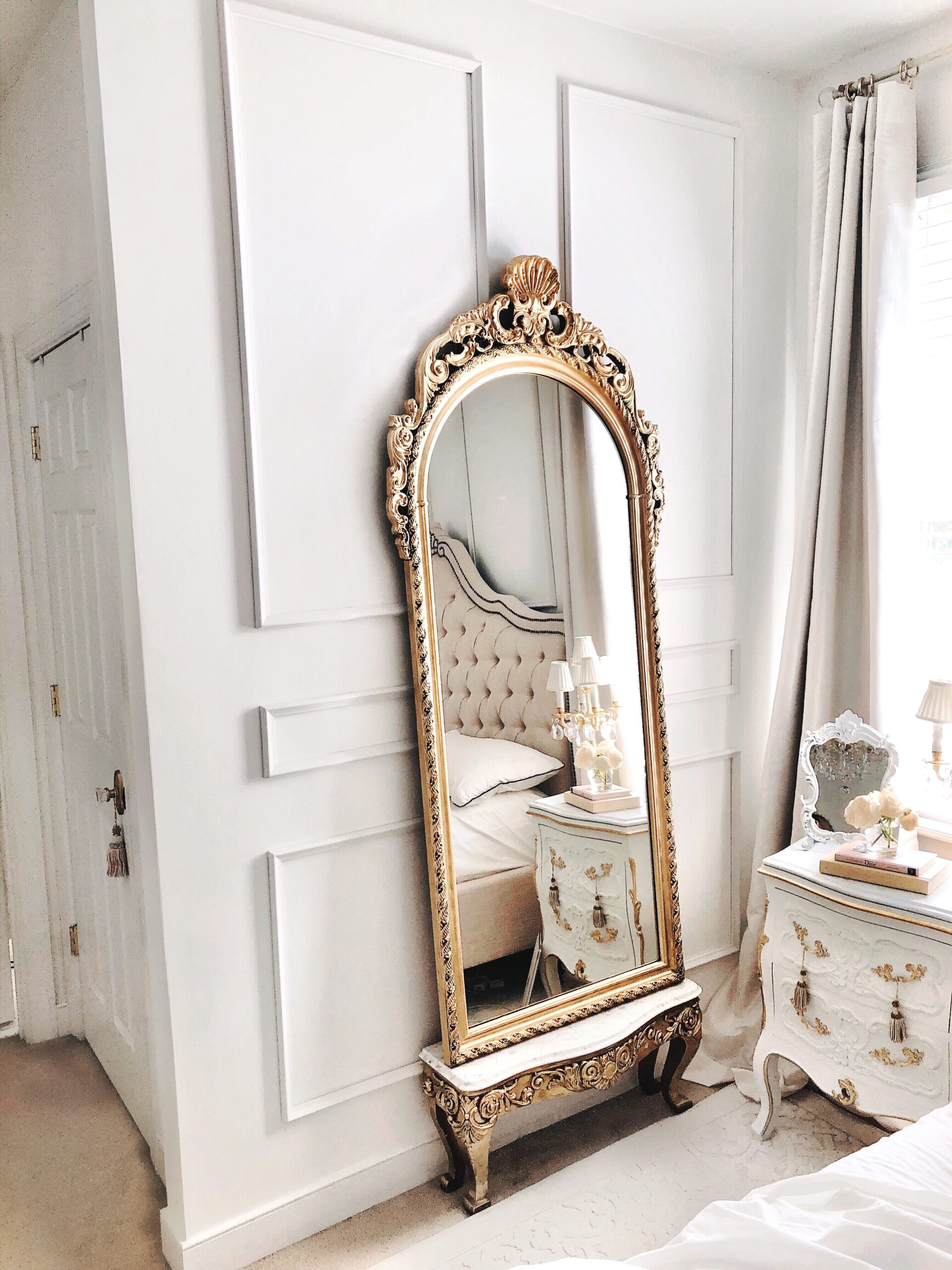 A Beautiful Parisian & Versaille Themed Bedroom Makeover_lexpyfrom_jadorelexiecouture